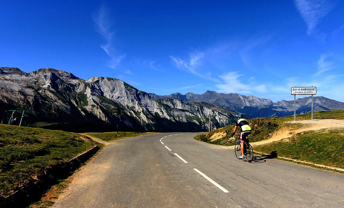 mountain-cycling