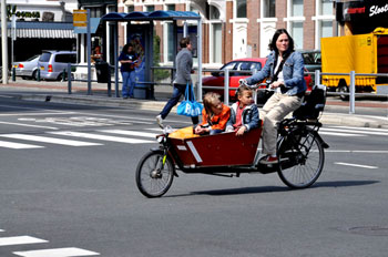 dutch-cycling-infrastructure-child