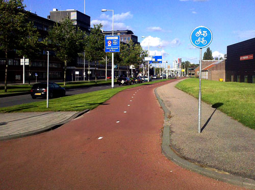 dutch-cycling-infrastructure-signs