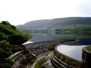 torside-reservoir-peak-district-cycling