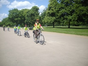Children_and_their_coach_cycling