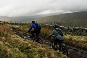 cycling-moutain-biking-wheelie-good-guys